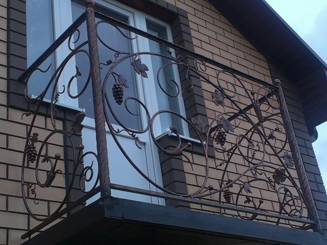 Лестницы и балконы